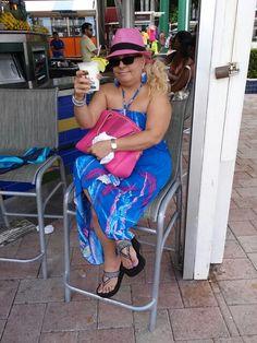Ayer 4 de Octubre.  2014. En Miami Florida,  me di una Pina Colada con Rum