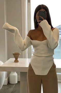 Aesthetic Fashion, Look Fashion, Aesthetic Clothes, Autumn Fashion, Fashion Design, Fashion Trends, Chic Fashion Style, Beige Aesthetic, Cute Casual Outfits