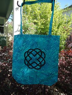 Hey, I found this really awesome Etsy listing at https://www.etsy.com/listing/194911205/celtic-knot-cotton-applique-tote
