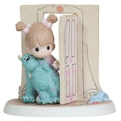 Precious Moments Disney Show Case Collection Collectible Figurine, Everthing Is Less Scary with A Friend