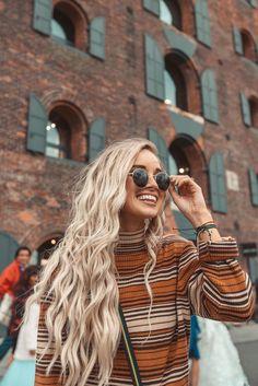 Pinterest: ritabgfernandes316☼ Icy Blonde, Blonde Wig, Long Blond Hair, Long Hair Pics, Blonde Highlights, Short Hair, Curly Hair Styles, Natural Hair Styles, Hair Inspo