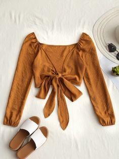 Blusa de cultivo de nudo bowknot