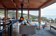 When Kate and Grant, the owners of Dorman House—an old shack near the beach in Lorne, Victoria, Australia—decided to renovate, they hoped to modernize the space while retaining its charming, shack-like character. And they also were seeking better views of the ocean.