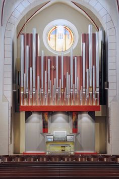Interesting, almost chaotic placement of pipes for the organ at the Market Church in Goslar. Built 2012. Very pretty! By Freiburger Orgelbau, Germany.