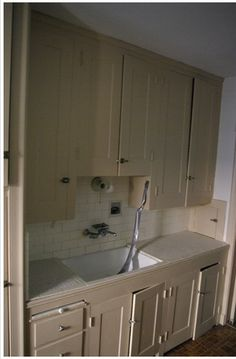 Love this1920s kitchen