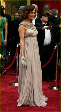 Famous Stars Luxury Red Carpet Celebrity Dresses Scoop Beaded Collar Draped Empire Pregnant Dress Maternity Evening Formal Gowns Sweep Train (2)_conew1