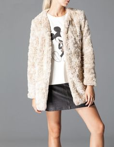 Le manteau de (fausse) fourrure, la tendance de l'hiver http://urbangirl-mode.fr/tendance-manteau-fourrure/