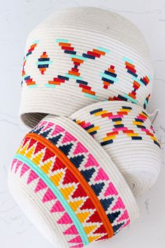 DIY Painted Rope Basket // Cord and rope projects