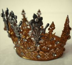 Antique Flowers and Flowers French Crown