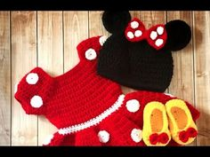 La Maravillosa Minnie Mouse Tejida a Crochet - YouTube Vestidos Minnie, Minnie Mouse, Girl Outfits, Crochet Hats, Clothes, Fashion, Toddler Dress, Crochet Dresses, Baby Things