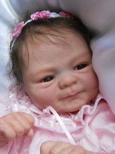 Beautiful Reborn Babies handcrafted with lots of tlc, by Professional Reborn Artist Lynne Mitchell. Reborn Child, Reborn Baby Girl, Reborn Dolls, Reborn Babies, Real Looking Baby Dolls, Life Like Baby Dolls, Life Like Babies, Lifelike Dolls, Realistic Dolls