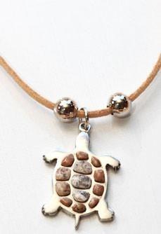 am una de asta - cu diamante - o poti avea - dragos Native American Jewellery, Native Beadwork, Hippie Chic, Indian Jewelry, Opal, Trading Post, Pendant Necklace, Stone, Hippy