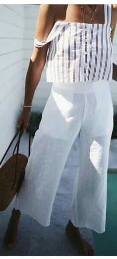 The perfect white culotte pants for a vacation