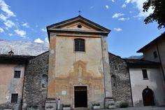 La facciata dell'abbazia di Novalesa