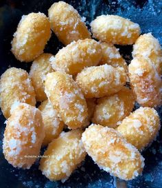 Discover recipes, home ideas, style inspiration and other ideas to try. Indonesian Desserts, Indonesian Cuisine, Asian Desserts, Indonesian Recipes, Breakfast Recipes, Snack Recipes, Dessert Recipes, Cooking Recipes, Snacks
