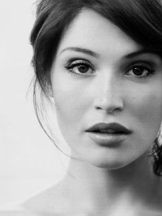 Gemma Arterton- just watch Hanzel & Gretel, Prince of Persia, or Clash of the Titans. She is girl-next-door beautiful with a husky voice and kicks butt. Gemma Arterton, Gemma Christina Arterton, Hannah Arterton, Bridal Makeup, Wedding Makeup, Bridal Hair, Pretty People, Beautiful People, Simply Beautiful