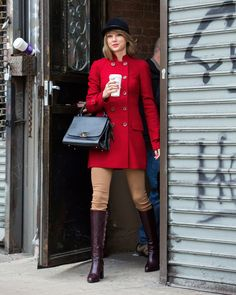 Taylor Swift equestrian street style