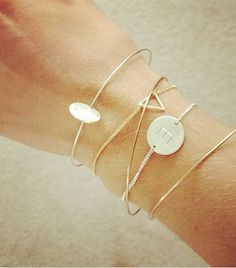 @Who What Wear - Delicate Bracelets Click to find out how to organize your delicate bracelets. Image from Fashion Me Now