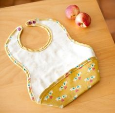 Pretty baby bib {tutorial} - Couture - Pure Leisure