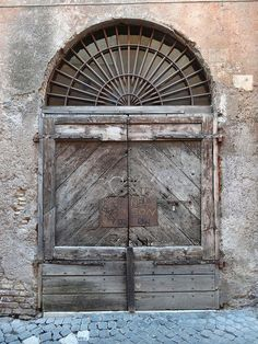 1000+ ideas about Old Door Knobs on Pinterest | Door Knobs, Glass ...