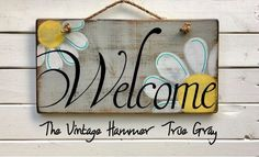 Welcome sign wood sign saying daisies hand painted signs Painted Boards, Painted Wood Signs, Rustic Wood Signs, Wooden Signs, Wood Signs Sayings, Sign Quotes, Fishing Signs, Creation Art, Summer Signs