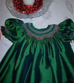 Girls Smocked Bishop Christmas Dress Green Silk Dupioni with Bloomers Smocking Baby, Smocking Patterns, Smocking Plates, Little Girl Fashion, Little Girl Dresses, Girls Dresses, Smoking, Punto Smok, Heirloom Sewing