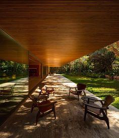 Gallery of Ramp House / Studio - Marcio Kogan + Renata Furlanetto - 39 Contemporary Architecture, Art And Architecture, Futuristic Architecture, Chinese Architecture, Exterior Design, Interior And Exterior, Mesa Exterior, Studio Mk27, D House