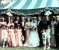 Le mariage de Constanzia Corleone et Carlo Rizzi dans le film Le Parrain de Francis Ford Coppola en 1972 http://www.vogue.fr/mode/inspirations/diaporama/les-robes-de-mariee-au-cinema/15367/image/870242#!le-mariage-de-constanzia-corleone-et-carlo-rizzi-dans-le-film-le-parrain-de-francis-ford-coppola-en-1972