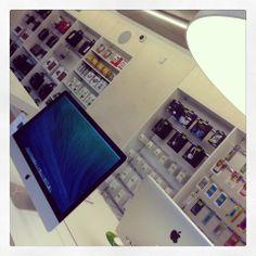 SWITCH Apple store St-Martens-Latem SIGN's / CANDYBAR's #DARK