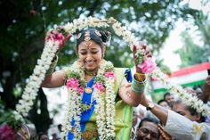 Telugu weddings are known for their colour, fun and grandeur! The typical Telugu wedding goes on for a few days and is packed with yards of fun and culture. Be it any wedding, the participation and enthusiasm of the family matters the most and you can easily experience that in a Telugu wedding.