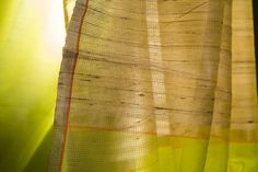 This collection of Maheshwar silk cottoni saris from Eco Loom reinvents an ancient craft heritage for a contemporary landscape #maheshwar #sari #silk #cotton #india #parisera