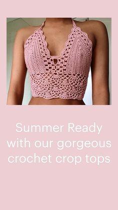 Crochet Halter Tops, Crochet Crop Top, Knit Crochet, Ravelry Crochet, Crochet Top Outfit, Crochet Clothes, Crochet Backpack Pattern, Bralette Pattern, Crochet Designs
