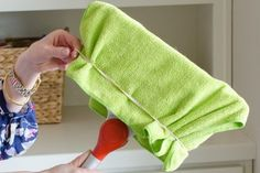 21 Genius Household Cleaning Tips That'll Make Martha Stewart Jealous 21 Genius Household Cleaning Tips That'll Make Martha Stewart Jealous - The Krazy Coupon Lady Household Cleaning Tips, Deep Cleaning Tips, Toilet Cleaning, House Cleaning Tips, Diy Cleaning Products, Cleaning Solutions, Spring Cleaning, Cleaning Hacks, Martha Stewart