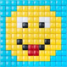 #PixelHobby #hobby #XL #pixelen #kinderen #speelgoed #knutselen #doe het zelf #smiley Tiny Cross Stitch, Cross Stitch Designs, Beading Patterns, Stone Crafts, Kids Jewelry, Pearler Beads, Plastic Canvas Patterns, Beads And Wire, Mosaics