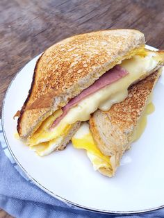 Sandwiches, Dishes, Ethnic Recipes, Food Time, Foods, Food Food, Food Items, Tablewares, Paninis