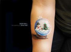 SNOW BALL Micropainitng by Silvia Vitali
