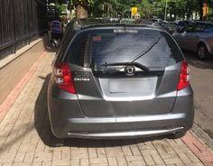 Estacionamento em calçadas é mais comum em bairros afastados +http://brml.co/1be67Kl