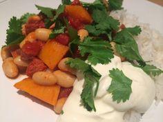 Yelly-fi-felly-food-belly: Chorizo and butternut squash chilli Butternut Squash Chilli, Chilli Recipes, Chorizo, Recipe Using, Coriander, Sour Cream, Mexican, Food, Essen