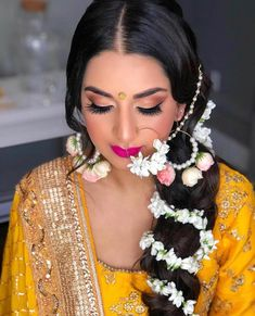 floral jewelry, for fantasy wedding bridal look Best Bridal Makeup, Indian Bridal Makeup, Bridal Makeup Looks, Bride Makeup, Bridal Looks, Wedding Makeup, Indian Bridal Hairstyles, Fantasy Wedding, Wedding Looks