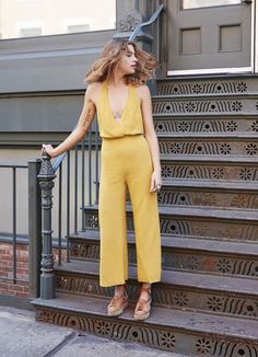 10 Exclusive Summer Outfits To Keep This yellow jumpsuit is everything! The Best of street fashion in Fast Fashion, Look Fashion, Street Fashion, Dress Fashion, Style Outfits, Summer Outfits, Work Outfits, Looks Style, Style Me
