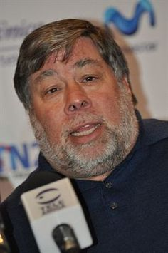 Steve Wozniak cree que Android no es competencia para Windows Phone http://www.europapress.es/portaltic/movilidad/dispositivos/noticia-steve-wozniak-cree-android-no-competencia-windows-phone-20120430131205.html