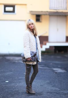 """Love this combo of white """"Teddy-bear"""" coat and brown leather pants... -- les attitudes"""