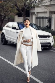 (Remember, All White Never Ends) #StreetStyle #louboutin #SkinnyJeans
