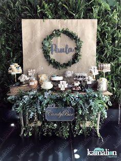www.kamalion.com.mx - Candybar / Barra de postres / Dulces / Mesa de dulces / Decoración / Verde / Green / Foliage / Follage / Suculentas / Menta / Dorado / Mint&gold / Table setting / Decoración / Bautizo / Gris / Gray / Donas / Donuts / Cake / pretzels / macarons.