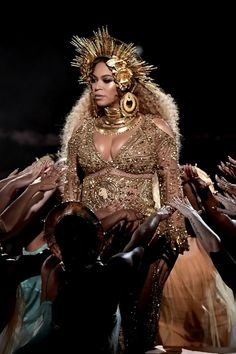 Beyoncé's Glowing Pregnant Goddess Grammys Makeup Was All Under $20