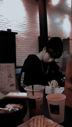 Baby Squirrel, Quokka, Lucas Nct, Kids Wallpaper, Ji Sung, Lee Know, Kpop Boy, Boyfriend Material, K Idols