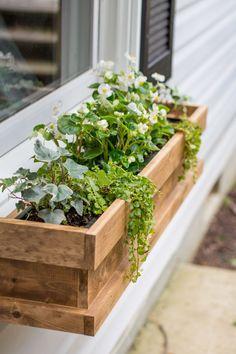 DIY Cedar Window Box