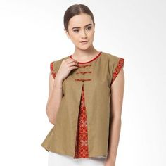 ideas sewing women tunic outfit for 2019 Blouse Batik, Batik Dress, Kurta Designs, Blouse Designs, Batik Kebaya, Batik Fashion, Blouse Patterns, Sewing Clothes, Women Tunic