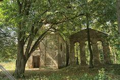 Cerkiew w Króliku Wołoskim | Beskid Niski Arch, Outdoor Structures, Mountains, Garden, Plants, Longbow, Garten, Lawn And Garden, Gardens