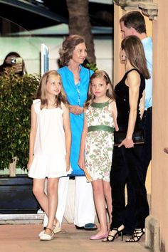 The Cambridges: King Felipe VI, Queen Letizia, Princess Leonor, Infanta Sofia and Queen Sofia of Spain are seen at the Flaningan Restaurante on July 31, 2016 in Portals Nous, near of Palma de Mallorca, Spain.